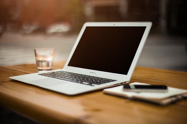 Jakie korzyści posiada programista na własnej działalności gospodarczej?